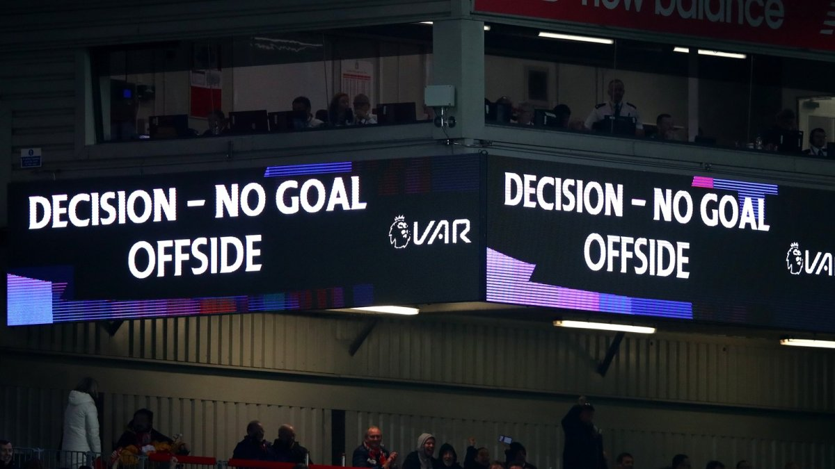 VAR may be precise, but it's not necessarily accurate.  So why is the Premier League still relying on it to judge offside?